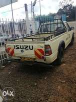 Isuzu tougher petrol efi local asking 780k