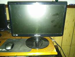 Samsung 18'5inch LED Monitor For Sale