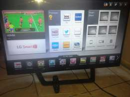 42 inch LG smart TV.model no:42lm6410. In excelent condition vry clean
