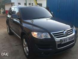 2008 VW Touareg Altitude - Very Clean
