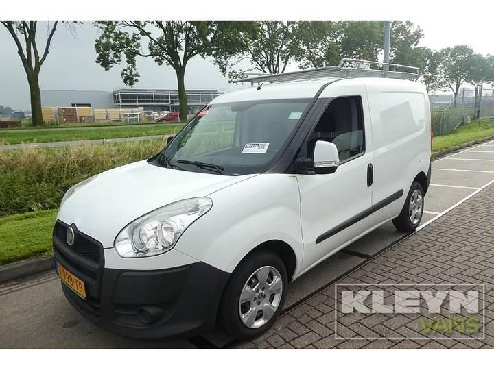 Fiat DOBLO 1.6 66kw 90pk airco - 2011