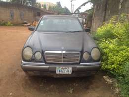 Mercedes benz, E series. sound engine and gear. ac