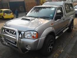 2011 NISSAN np300 hi Rider sinle cab plus canopy for sale