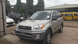 Toyota Rav4 2004, neatly imported perfect condition call to inspect...