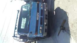 Clean foreign used Isuzu truck for sale,the Engine is very sound,