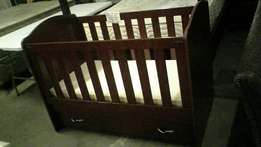 Baby cot with mattress and drawers