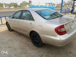 Clean Toyota Camry 04 big daddy