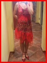 f69cd02b42 Asymetryczna czerwona sukienka z tiulem i cekinami