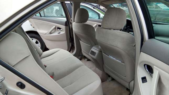 Tincan Cleared Toyota Camry LE 2009 Model In Excellent Condition Lekki - image 4