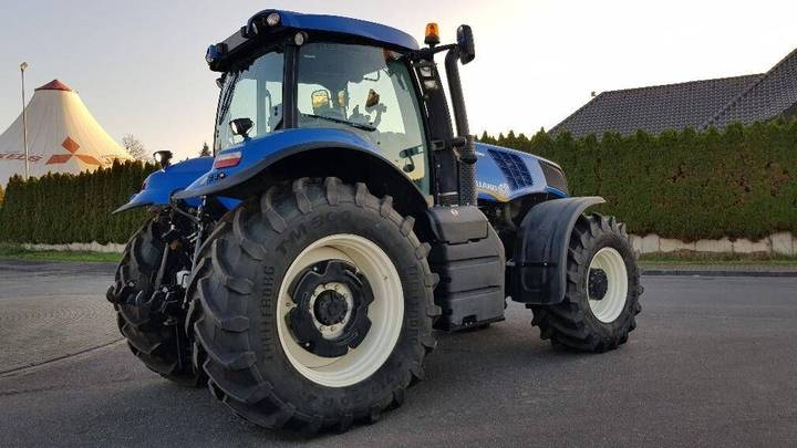 New Holland T 8.300 - 2011