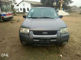 2005 Used Ford Escape Limited Edition, Leather with 6 CD player
