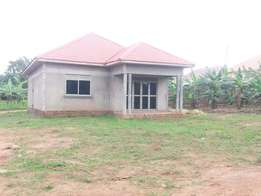 2bedrooms/with 2toilets house on sale on Gayaza road Magere/Lutete
