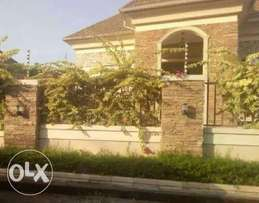 Beautiful 5bedroom duplex with 2rooom BQ for sale at zoo estate, G.R.A