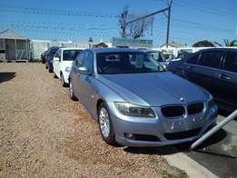 0'9 Bmw 320i 6 speed manual with only 168000km