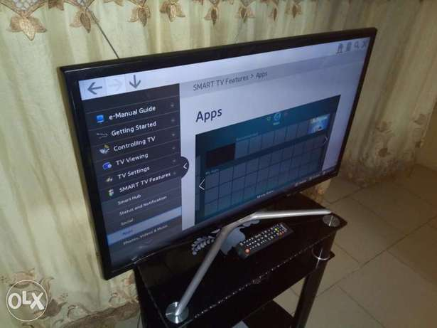 "Still New Samsung 32"" LED FHD smart TV with miracast, YouTube etc Alimosho - image 6"