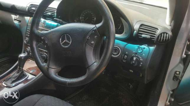 Mercedes Benz C200 for 1.2m . quick sale Muthini Estate - image 2