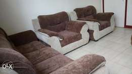 Five seater high quality and stylish sofa set.