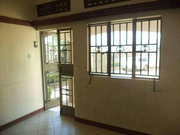 A double house for rent in Kyaliwajala Kampala - image 5