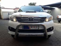2013 Toyota Fortuner 2.5 D4-D 2x4 Manual for sale!!