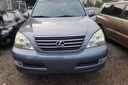 Extremely clean 05 register lexus Gx 470