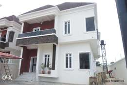 Luxury Finished 5 Bedroom Detached House in Chevron with 2.5kva Solar