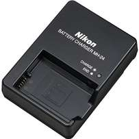 Nikon charger mh-24 for nikon EN-EL14 6mths warranty