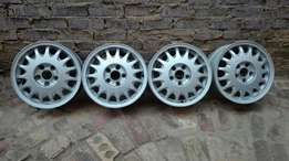 Set of original 15 inch Saab mags