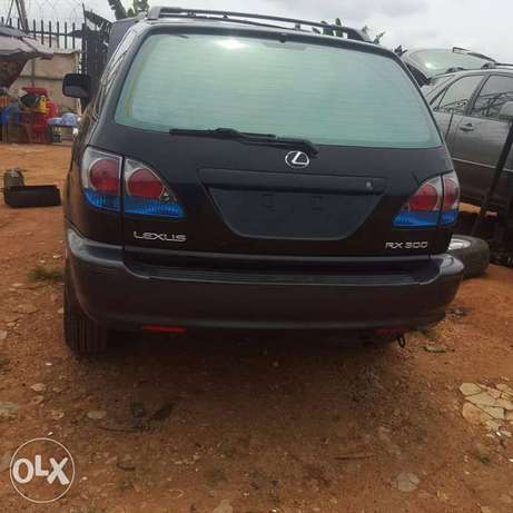 Clean unregistered tokunbo Lexus for sale. Calabar - image 4