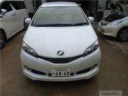 2010 Toyota wish valvematic white in color
