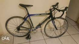 fuji full carbonroad bike