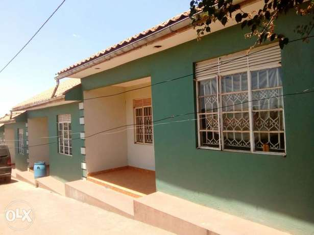 Very cheap cute two bedrooms for rent in Kira Kampala - image 1