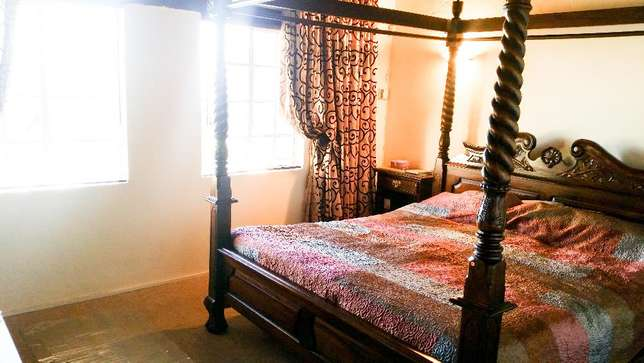 SOLD - Chippendale 4 poster bed Roodepoort - image 3
