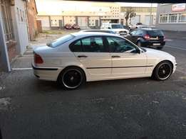 Bmw 318i 2002 with out gearbox negotiable