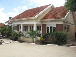 A three bed room stand alone and askali quarter at 1m in Kirinya.