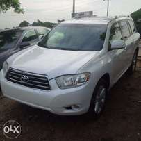 Tokunbo Toyota Highlander, 2009, 3-Row Leather Seat. Very OK