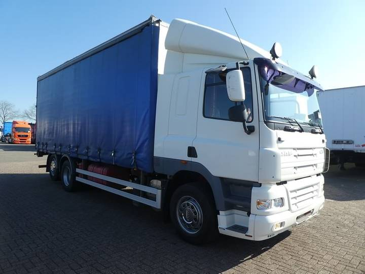 DAF CF 85.360 6x2 manual sleep cab - 2010