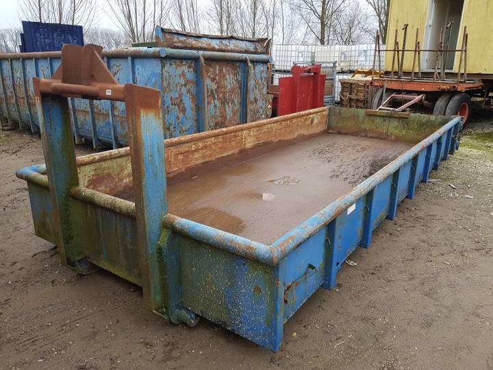 Haakarm container tipper body