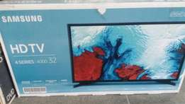 "Samsung 32"" Digital TV."