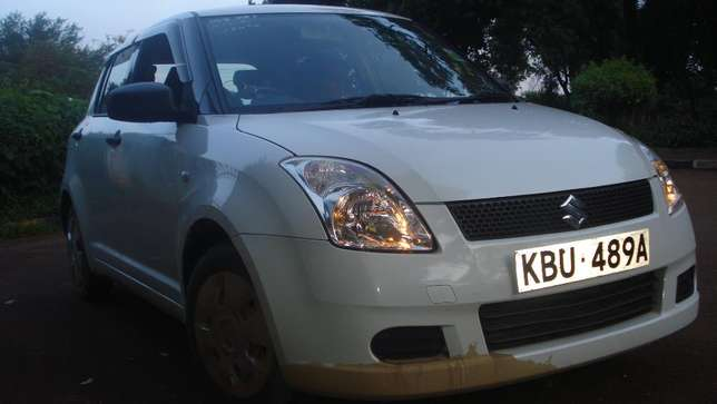 Suzuki SWIFT. Quick Sale. Excellent Condition. Lady owned. Very clean. South C - image 3