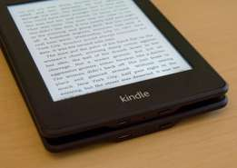 "Kindle Paperwhite E-reader - Black, 6"" -Built-in Light, Wi-Fi"