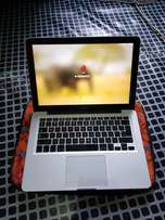 Macbook Pro Core 2 dou 8gb Ram 500gb HDD Nvidia GeForce Graphics 9400M
