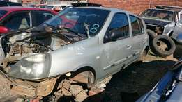 Renault Clio stripping for spares at Extreme Scrapyard