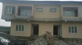 4-bed semi-detached duplex with attached BQ