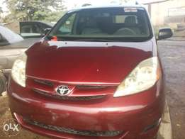 2006 Sienna LE Leather
