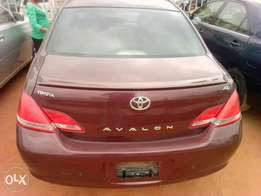 Very clean 07 Tokunbo Avalon ship for sale..