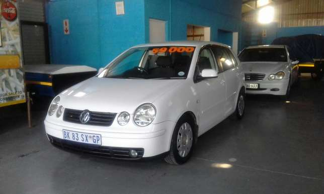VW Polo 1.6 Hatch 186000 km R 59000 Mossel Bay - image 1