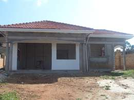 4bedrooms house in sonde seated on 100X100ft plot on sale at 200M