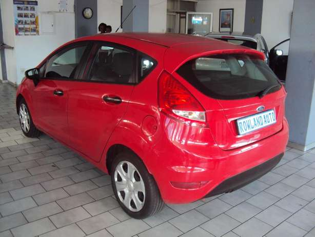 2012 Ford Fiesta 1.6 for sell R105000 Bruma - image 5