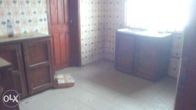 Neat and decent 2bedroom flat up with 3toilets at Igando close to b/s Onilu Village - image 3