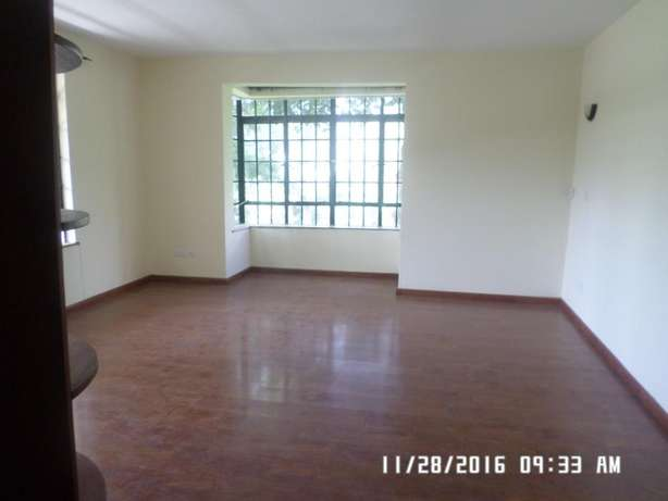 A 4 bed, all en-suite townhouse with 2 SQs in Lavington green for rent Lavington - image 5